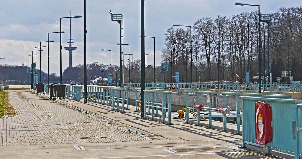 water-track-train-walkway-transport-construction-1208643-pxhere.com